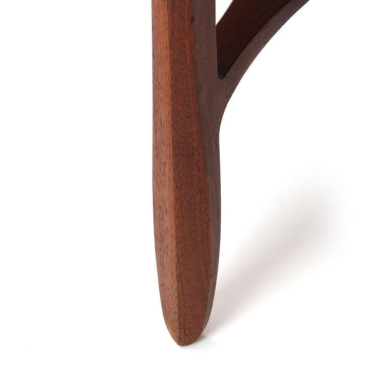 Walnut Side Table by Edward Wormley for Dunbar In Good Condition For Sale In New York, NY