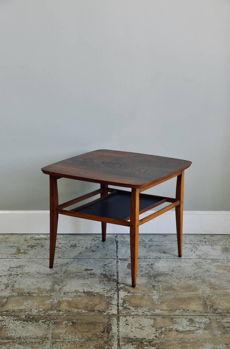 Walnut Side Table by Lane For Sale 1