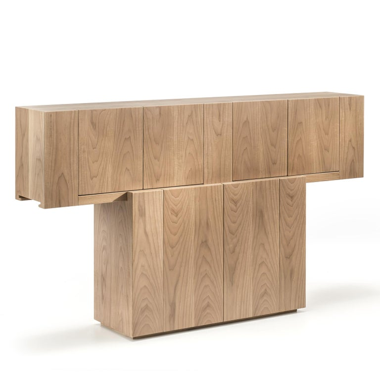 Walnut Sideboard In New Condition For Sale In Milan, IT