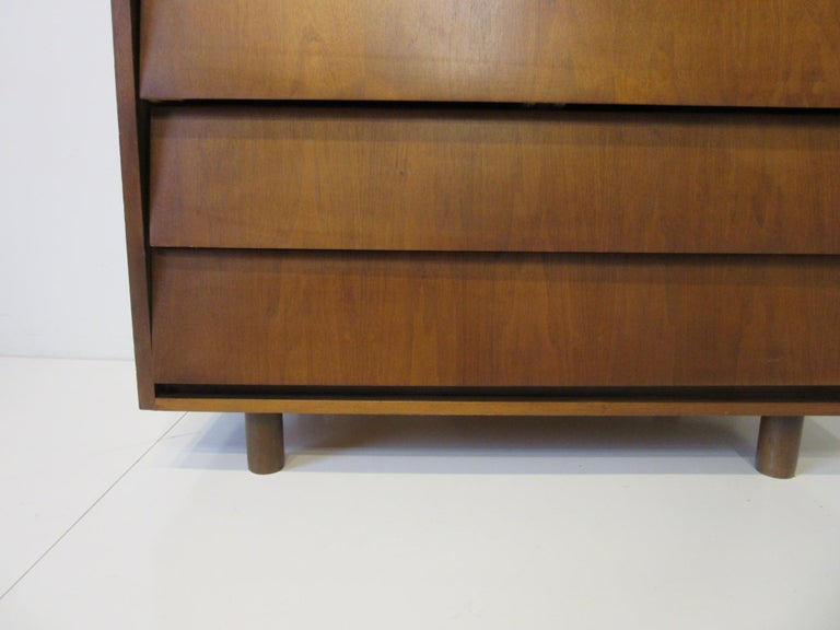 Walnut Tall Dresser/ Chest in the Style of Knoll In Good Condition For Sale In Cincinnati, OH