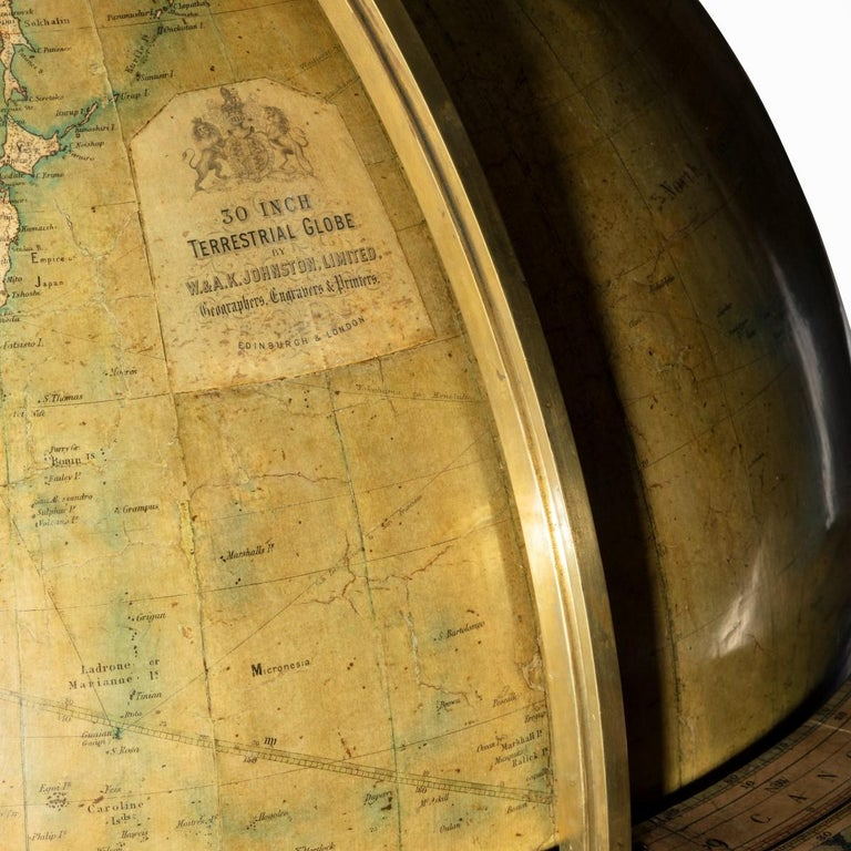 Walnut Terrestrial Globe by W & AK Johnston of Edinburgh & London In Excellent Condition For Sale In Lymington, Hampshire