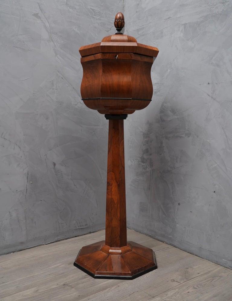 Walnut Wood Austrian Side Table, 1850 For Sale 2
