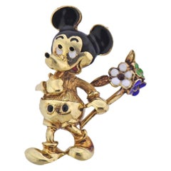 Walt Disney Collectable Enamel Gold Mickey Mouse Brooch