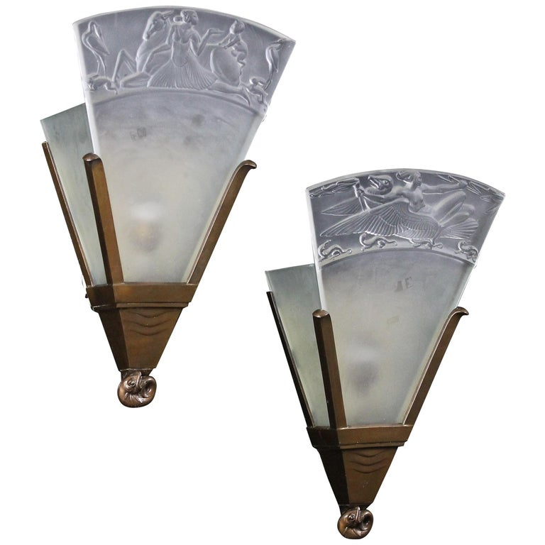 Walter Gilbert and John Walsh Walsh Pair of Art Deco Glass and Bronze Wall Lamps For Sale