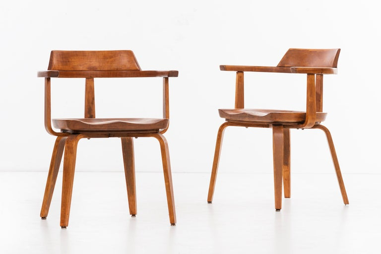 Walter Gropius Set of Eight Armchairs In Excellent Condition For Sale In Chicago, IL