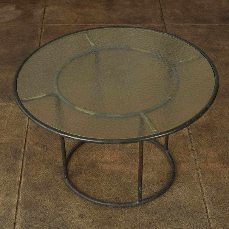Walter Lamb for Brown Jordan Bronze Patio Coffee Table In Excellent Condition For Sale In Los Angeles, CA