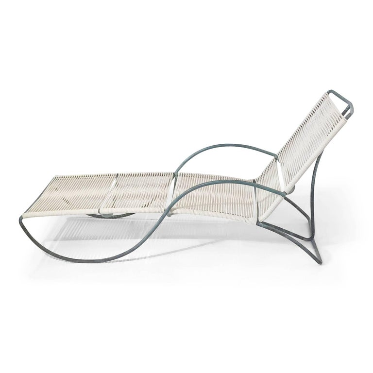 American Walter Lamb for Brown Jordan 'S' Chaise Lounge, Early Production, circa 1955 For Sale