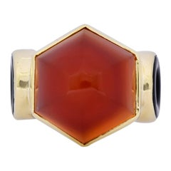 Walter Lampl Art Deco Carnelian Onyx 14 Karat Gold Cocktail Ring, circa 1930s