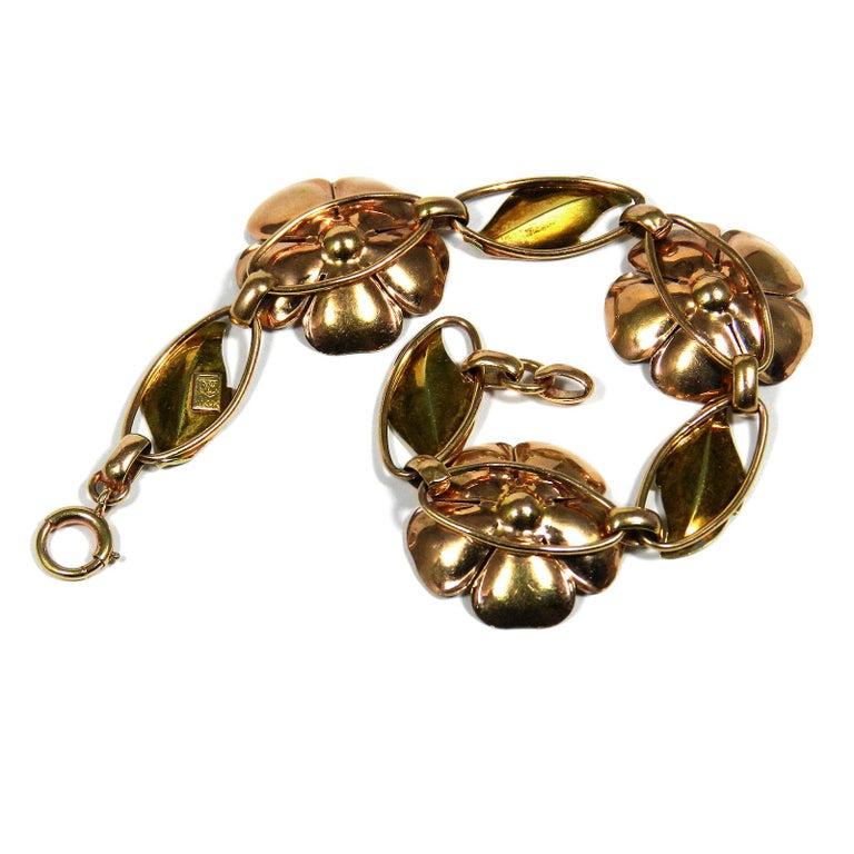Walter Lampl Retro 14 Karat Gold Ruby Flower Bracelet, circa 1940 For Sale 1