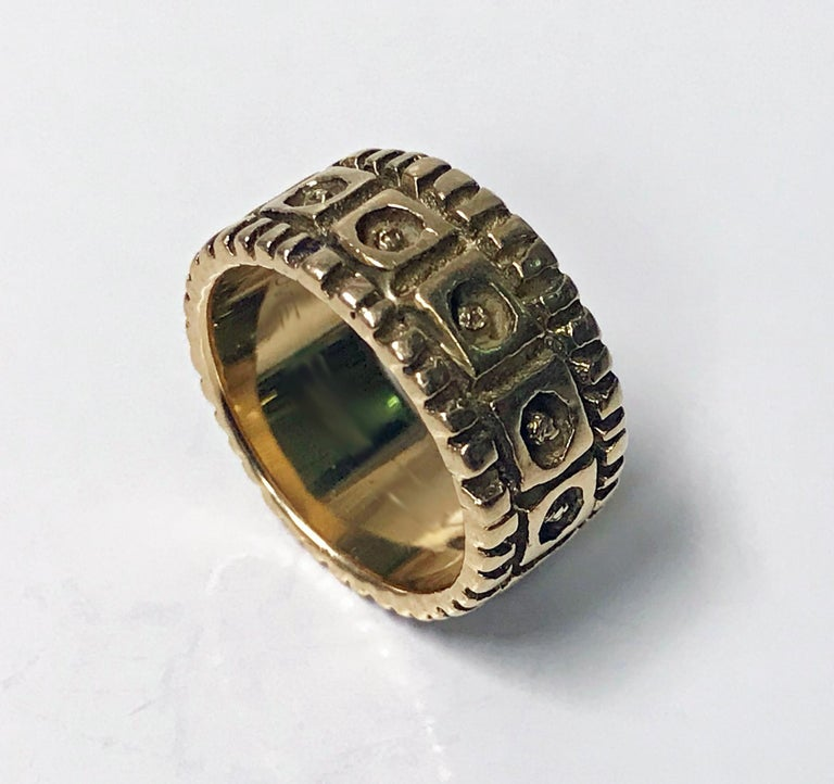 Walter Schluep 18K abstract Ring C.1960. Abstract concentric panel and groove design. Walter Schluep marks and 18K stamped. Size 6.25. Item Weight: 11.26 grams.
