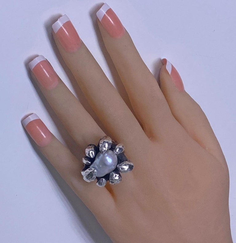 Walter Schluep Sterling Silver Pearl Ring In Good Condition For Sale In Toronto, ON