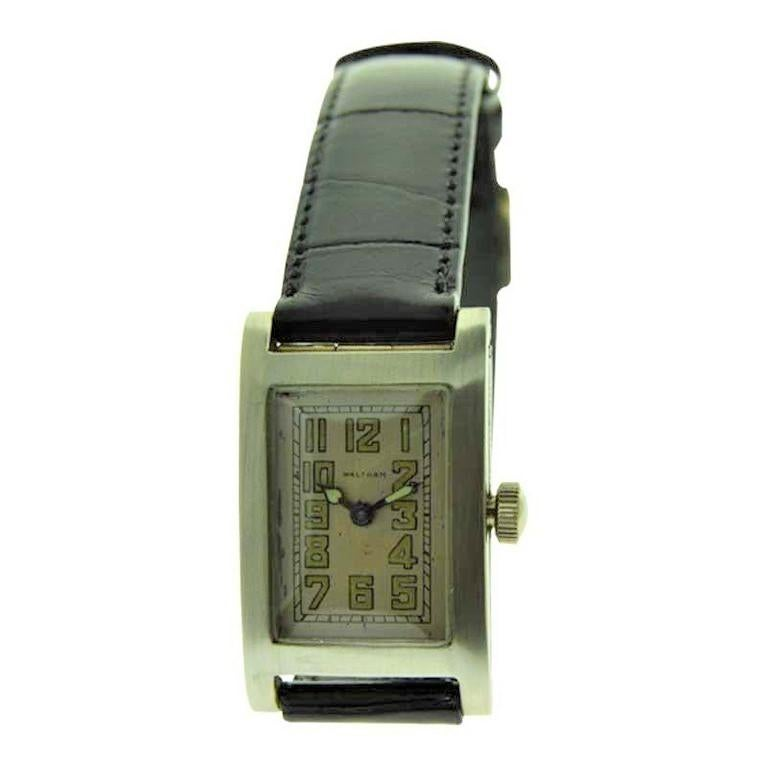 Waltham 14 Karat Gold Art Deco Watch with Original Dial and Buckle from 1926