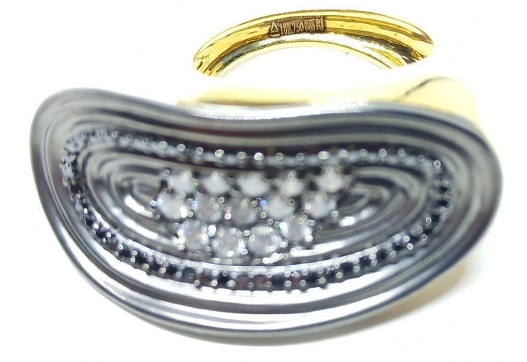 Want Facelift? Amaze Yourself with Contemporary Colored Diamond Cocktail Ring For Sale 5