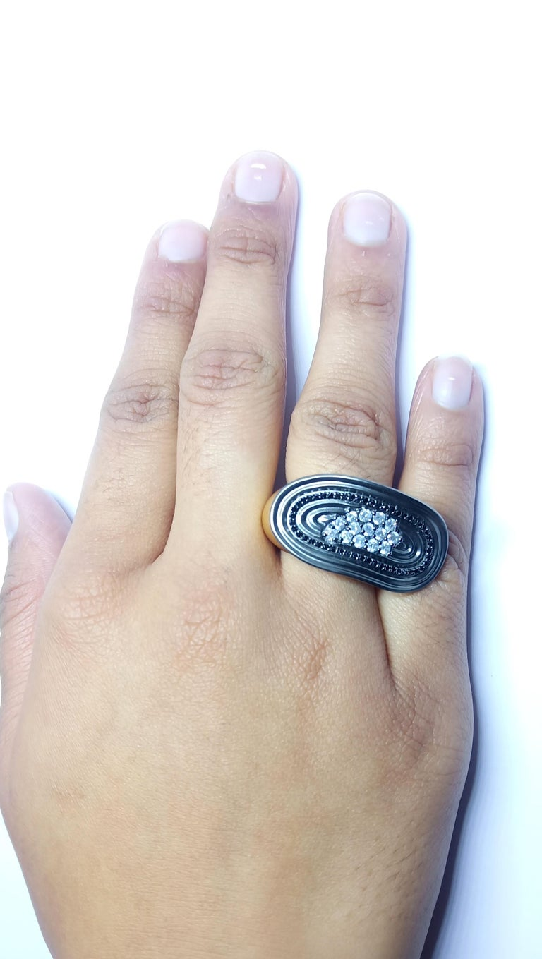 Want Facelift? Amaze Yourself with Contemporary Colored Diamond Cocktail Ring For Sale 6