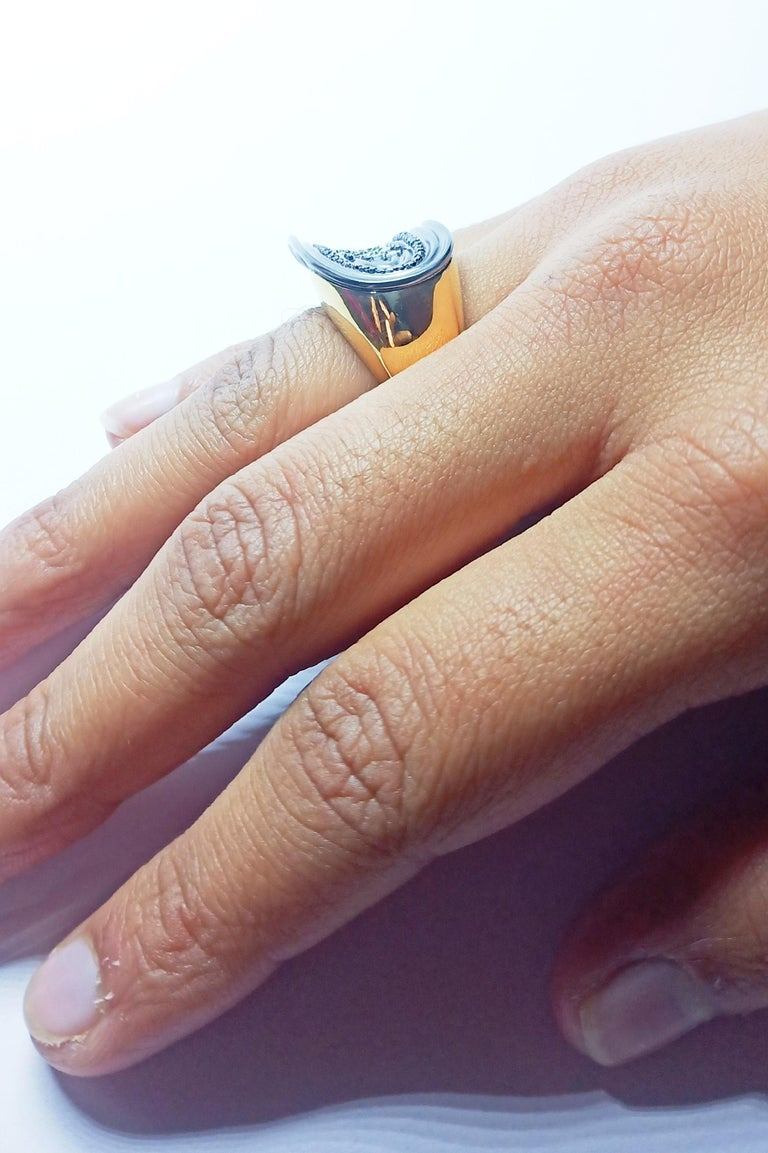 Want Facelift? Amaze Yourself with Contemporary Colored Diamond Cocktail Ring For Sale 7