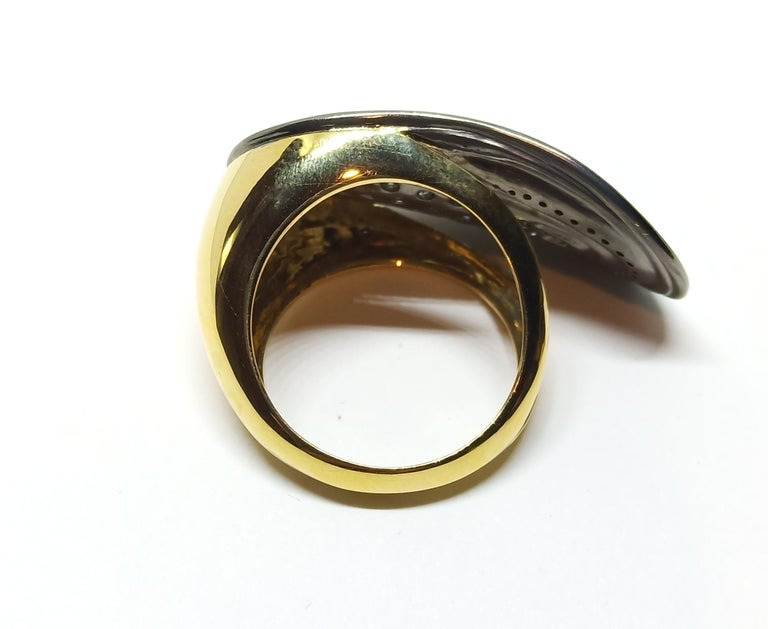 Round Cut Want Facelift? Amaze Yourself with Contemporary Colored Diamond Cocktail Ring For Sale