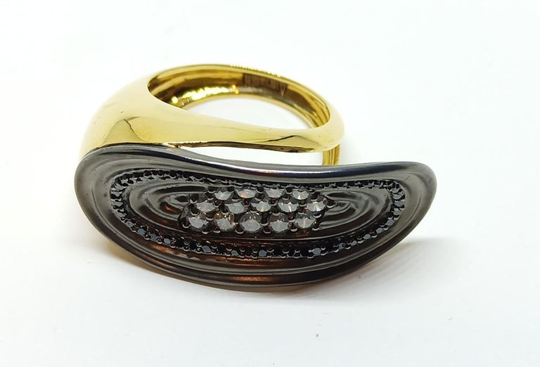 Want Facelift? Amaze Yourself with Contemporary Colored Diamond Cocktail Ring For Sale 3