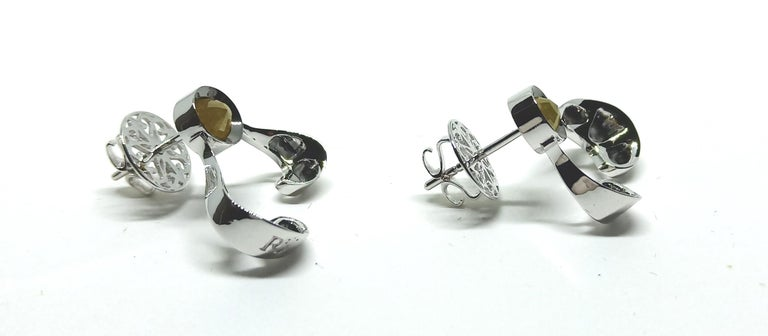 Want Facelift? Amaze Yourself with Contemporary Yellow Diamond Gold Earrings For Sale 1