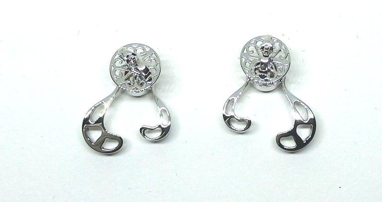 Want Facelift? Amaze Yourself with Contemporary Yellow Diamond Gold Earrings For Sale 4