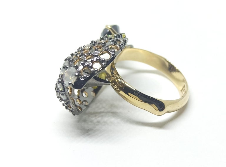Contemporary Want Facelift? Amaze Yourself with One of a Kind Color Diamond Gold Fashion Ring For Sale