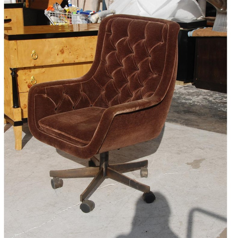 Ward Bennett Brickel Executive Desk Chair Bronze Base In Good Condition For Sale In Pasadena, TX