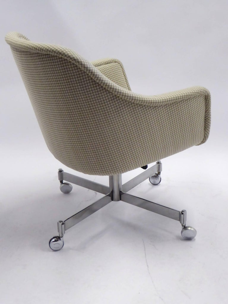 Mid-20th Century Ward Bennett Bumper Office Chair in Houndstooth Brickel Associates For Sale