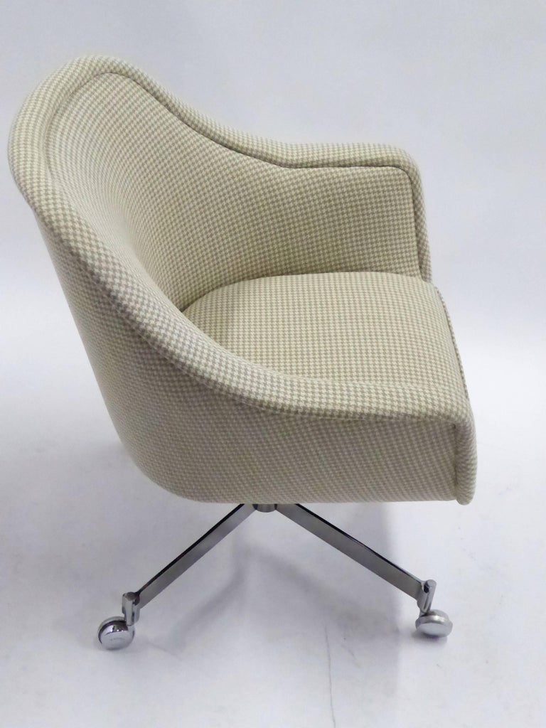 Ward Bennett Bumper Office Chair in Houndstooth Brickel Associates For Sale 2
