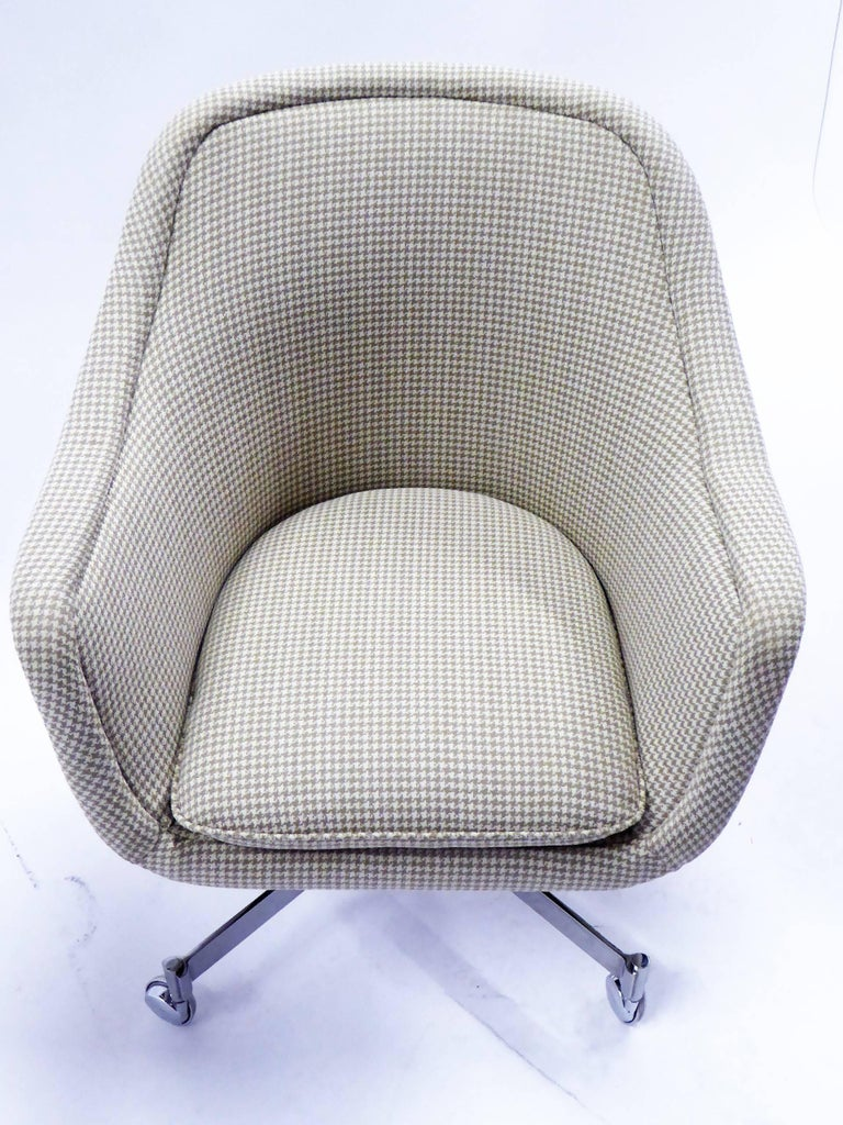 Ward Bennett Bumper Office Chair in Houndstooth Brickel Associates For Sale 3