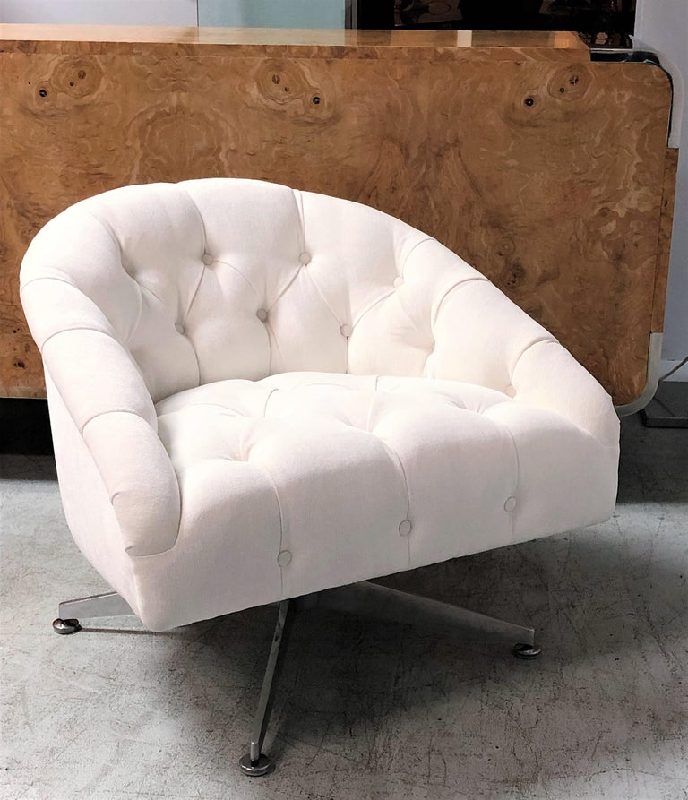 Mid-20th Century Ward Bennett Pair of Tufted Lounge Swivel Chairs, 1960s For Sale