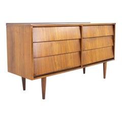 Ward Furniture Company Mid Century Louvered Walnut 6 Drawer Lowboy Dresser