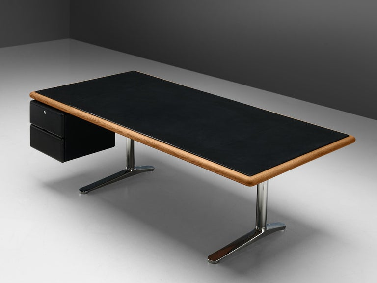 Late 20th Century Warren Platner for Knoll Executive Desk in Black Leather For Sale