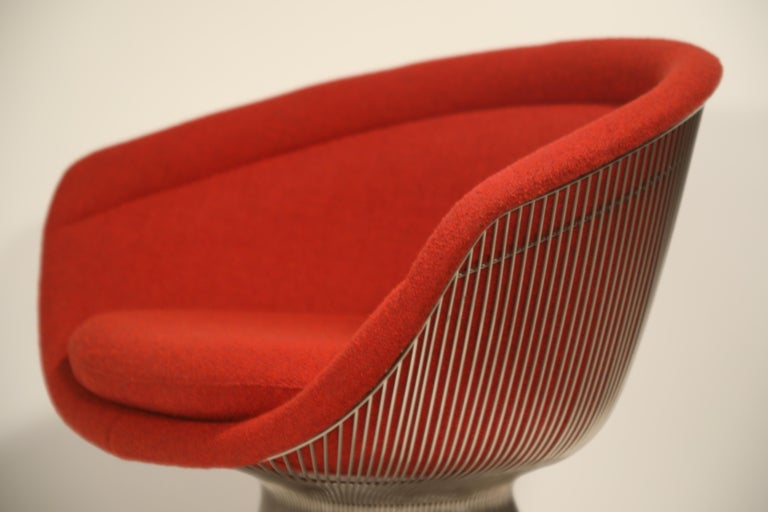 Warren Platner for Knoll Lounge Chairs in Red Wool Boucle, Near Mint Set of Four For Sale 11