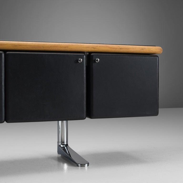 Mid-Century Modern Warren Platner for Knoll Sideboard in Original Leather For Sale