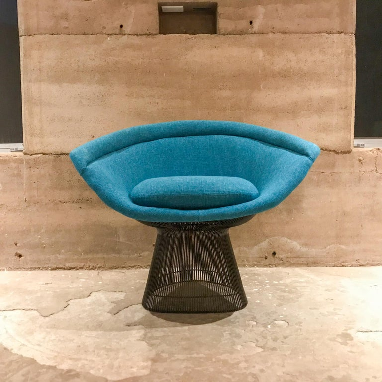 Mid-Century Modern Warren Platner Inviting Teal Blue & Bronze Iconic Steel Knoll Lounge Chairs  For Sale