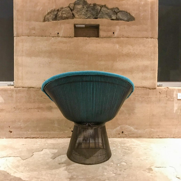 Warren Platner Inviting Teal Blue & Bronze Iconic Steel Knoll Lounge Chairs  In Good Condition For Sale In National City, CA