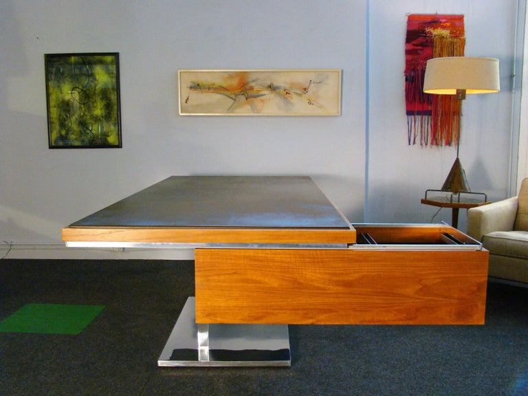 Late 20th Century Warren Platner Modernist Executive Desk in Leather, Teak and Steel, 1970s, USA For Sale