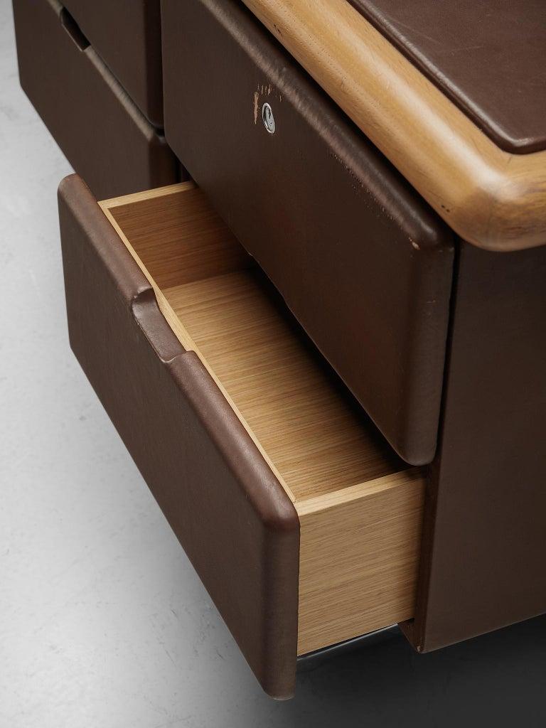 Warren Platner Sideboard in Original Brown Leather In Good Condition For Sale In Waalwijk, NL