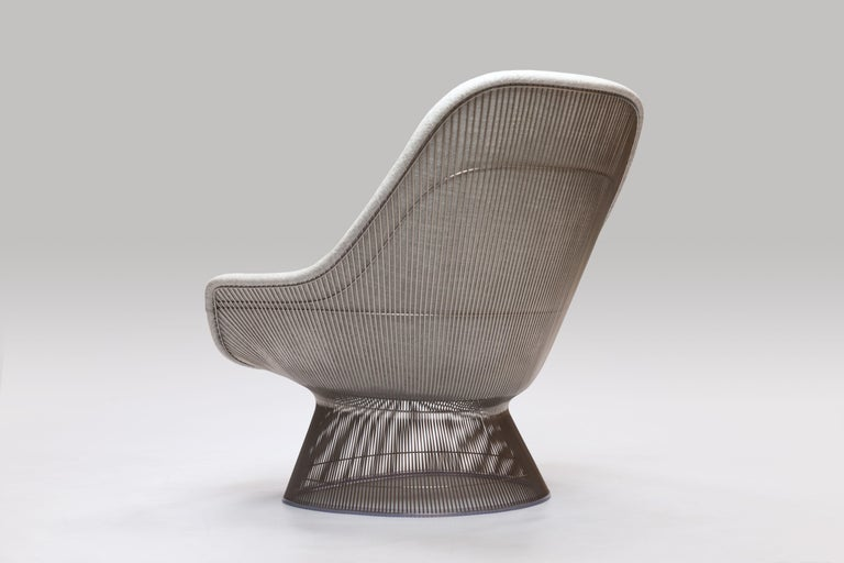 Sculptural and graceful iconic lounge chair model 1705 by Warren Platner designed in 1962 for Knoll International. Nickel-plated steel wire frame executed from steel rods and extensive amounts of welds, upholstered in luxury (expensive) Knoll fabric