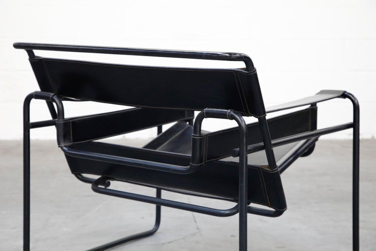 'Wassily' Marcel Breuer for Knoll, Rare Black on Black Leather Lounge Chair For Sale 6