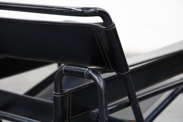 'Wassily' Marcel Breuer for Knoll, Rare Black on Black Leather Lounge Chair For Sale 7