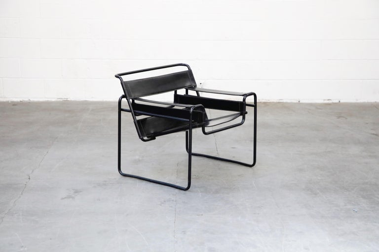 Bauhaus 'Wassily' Marcel Breuer for Knoll, Rare Black on Black Leather Lounge Chair For Sale