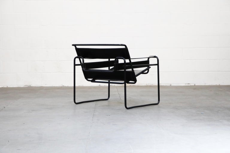 'Wassily' Marcel Breuer for Knoll, Rare Black on Black Leather Lounge Chair In Good Condition For Sale In Los Angeles, CA