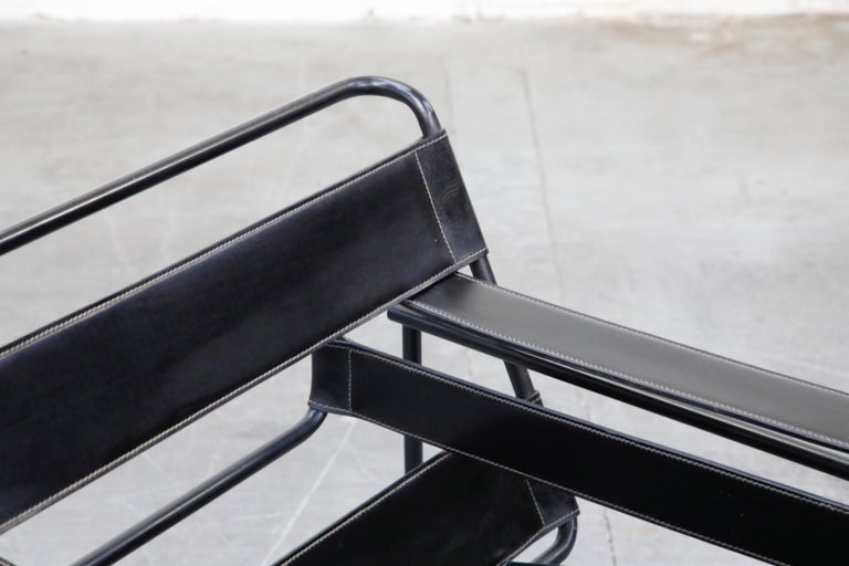 20th Century 'Wassily' Marcel Breuer for Knoll, Rare Black on Black Leather Lounge Chair For Sale