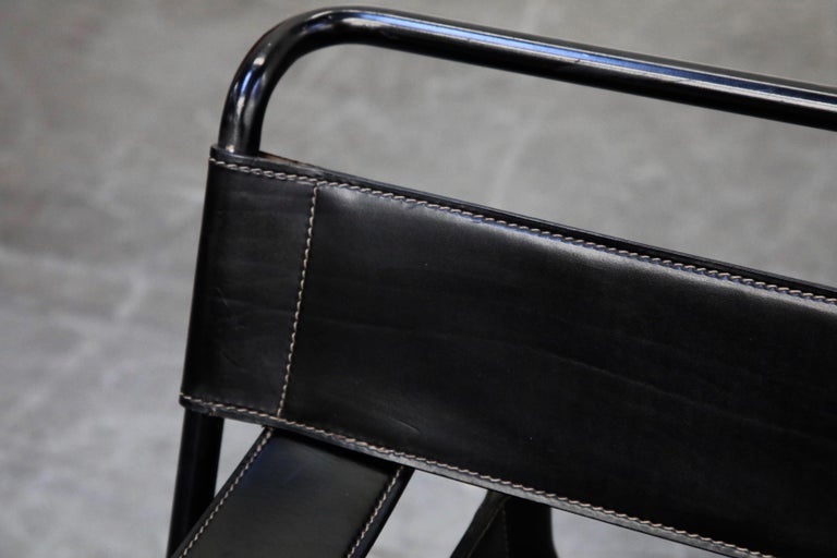 'Wassily' Marcel Breuer for Knoll, Rare Black on Black Leather Lounge Chair For Sale 2