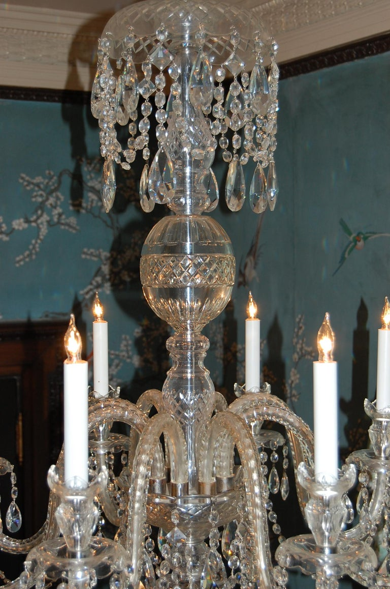 Waterford Style Georgian Cut Crystal Eight-Light Chandelier, circa 1910 In Excellent Condition For Sale In Pittsburgh, PA