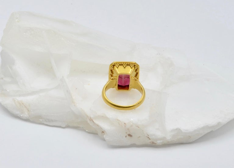 Watermelon Tourmaline Bi Color 22 Karat Gold Ring In New Condition For Sale In Berkeley, CA