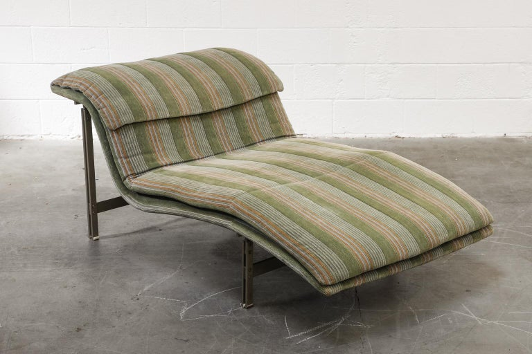 'Wave' Chaise Lounge by Giovanni Offredi for Saporiti Italia, circa 1980, Signed For Sale 3