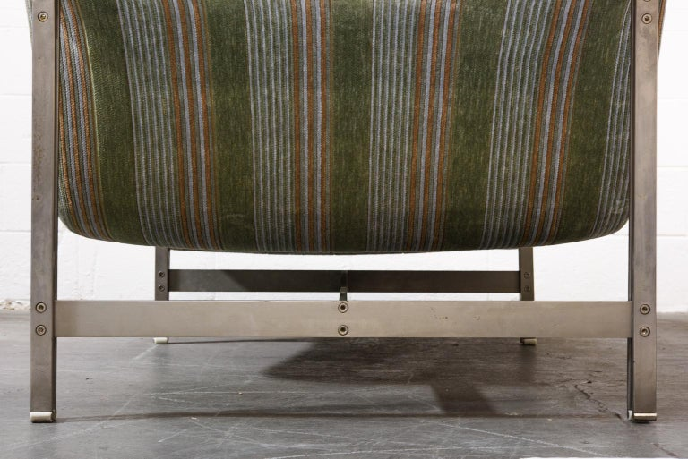 'Wave' Chaise Lounge by Giovanni Offredi for Saporiti Italia, circa 1980, Signed For Sale 6
