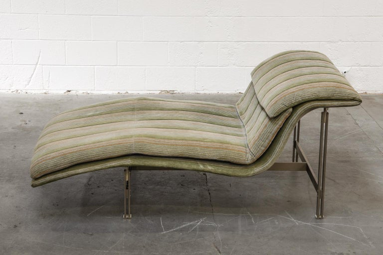 'Wave' Chaise Lounge by Giovanni Offredi for Saporiti Italia, circa 1980, Signed In Good Condition For Sale In Los Angeles, CA