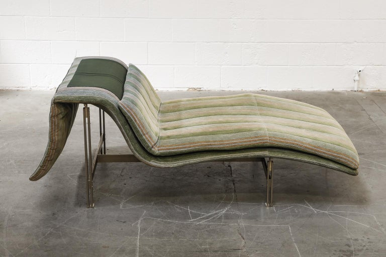 'Wave' Chaise Lounge by Giovanni Offredi for Saporiti Italia, circa 1980, Signed For Sale 1